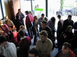 02-05-31-crowd-inside